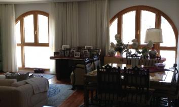 SPACIAL APARTMENT IN THE CENTER OF TOWN
